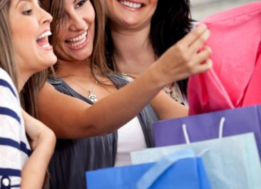 Lakes Area Women's Expo – Girls Getaway Weekend