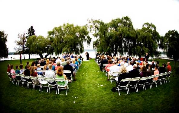 Wedding guests happy they know how to save money on wedding attendances