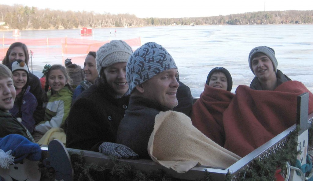 FEITL-Christmas-Holiday-CRAGUNS-DEC2011-sleigh-ride-Glenn_R1