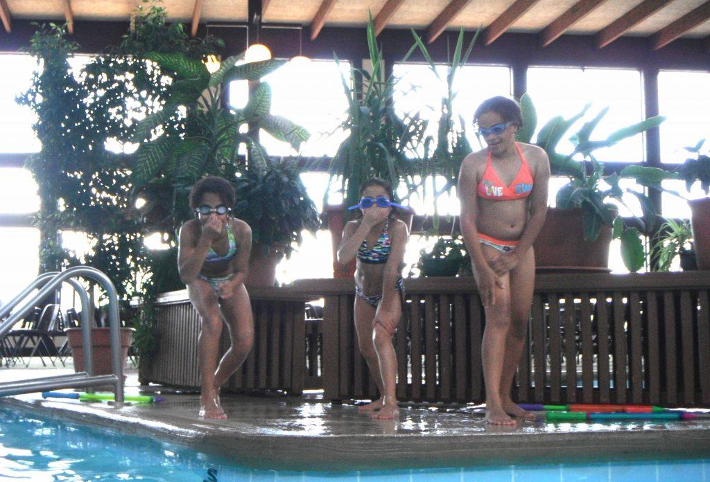 Kids having fun swimming at Cragun's Resort