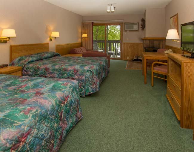 Cragun's Resort Lodge Room Before Upgrades
