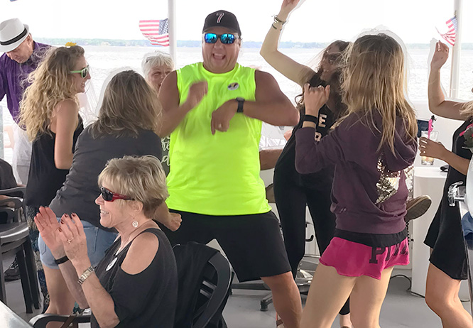 Gull Lake Cruises, best way to party on Gull Lake in Brainerd, MN
