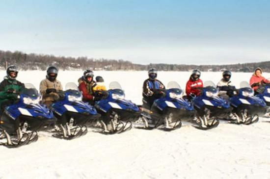 68-2565_Gall_Am_Snowmobiles600x400