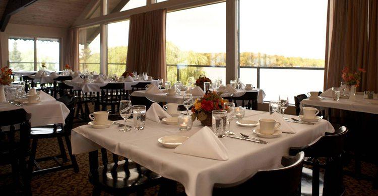68-2565_Lodge_Dining_Rm_750x390[1]