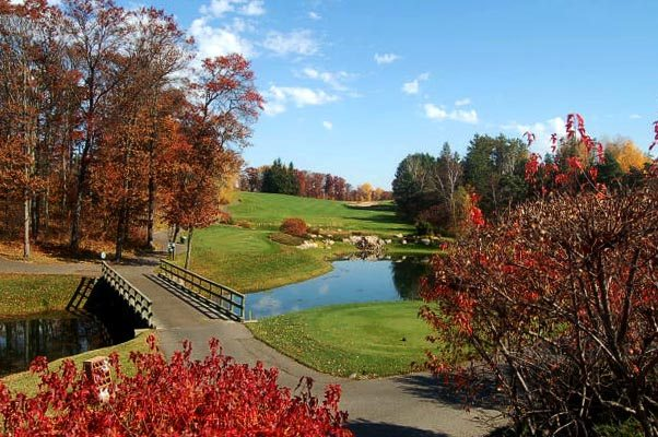 68-2565_Gal_Seasons_FallGolf600x400