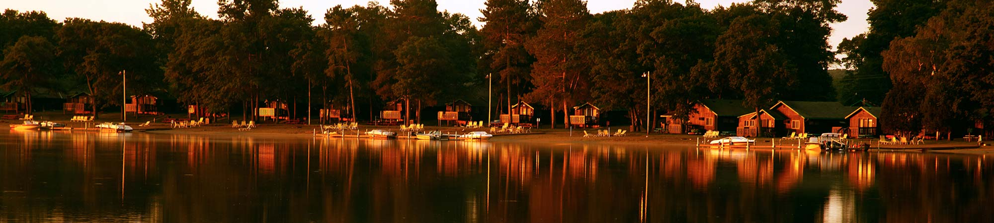 slide-lodging-Cabins_lake_2000x450