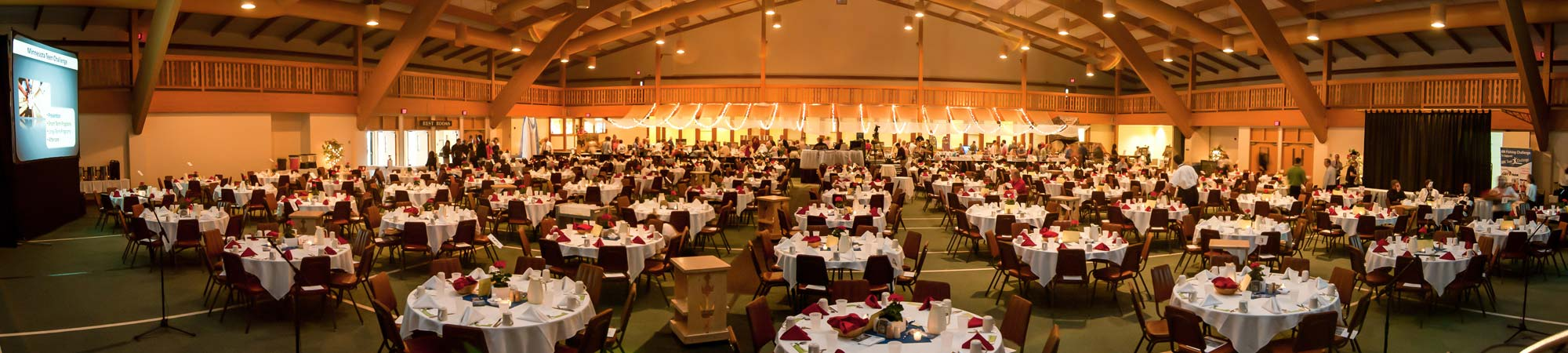 slide-meeting-banquet_2000x450