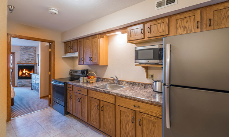 68-2817_201802_Shoreline_Kitchen_750x450