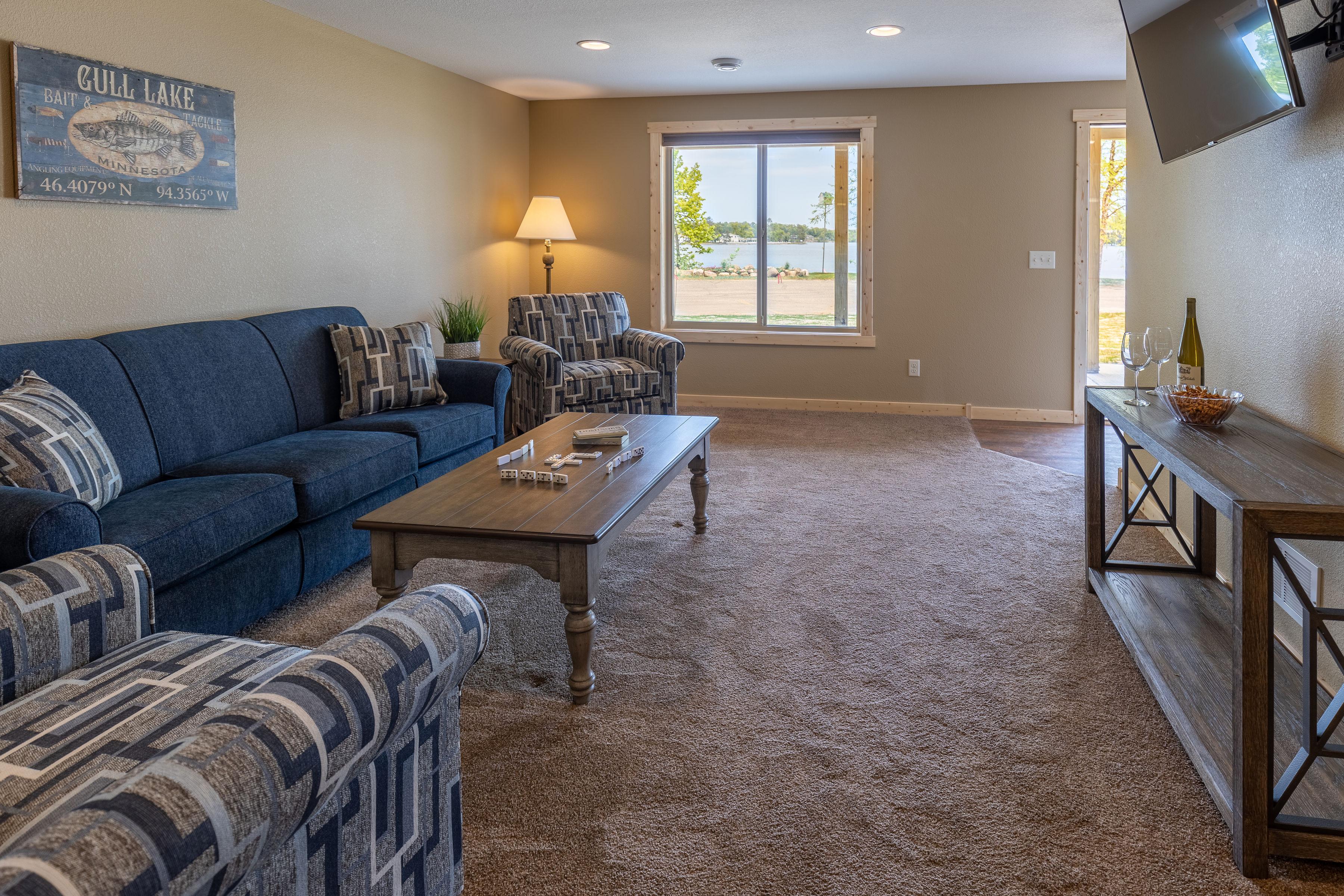 112_lower_level_living_room